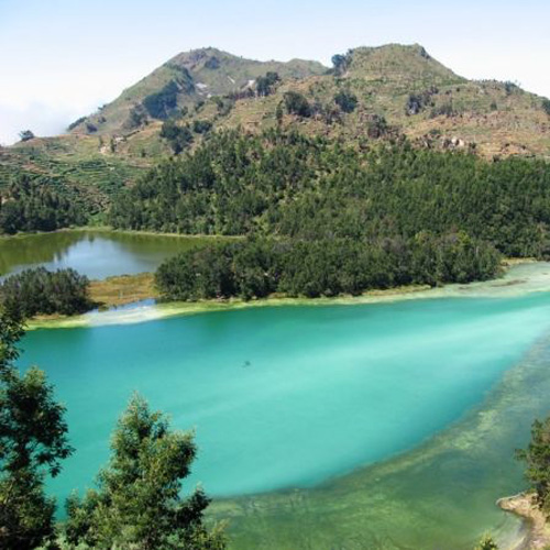 3Days 2Night Dieng with Transfers & Tour Guide for Rp 747.500 / Person